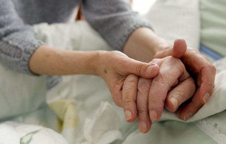 Utrera seguirá prestando el servicio de ayuda a domicilio a los mayores dependientes