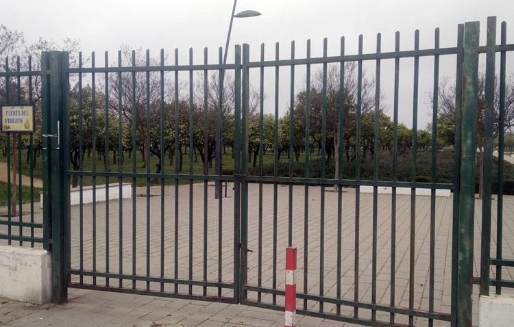 Utrera decreta el cierre del castillo, el cementerio y los parques ante la previsión de fuertes vientos y lluvia