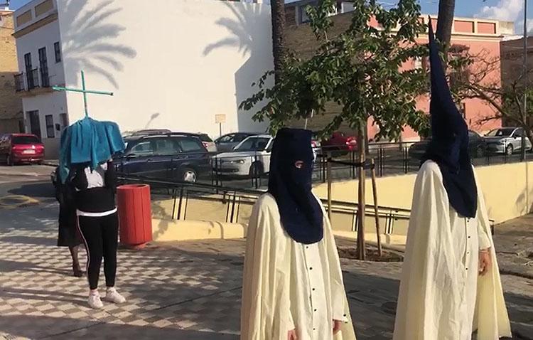 La Guardia Civil identifica y denuncia a las 10 personas que simularon una procesión con el hábito de la Quinta Angustia pese al estado de alarma