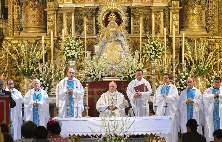 El cardenal Amigo Vallejo, principal invitado del programa especial de COPE Utrera (98.1 FM) dedicado a la Virgen de Consolación