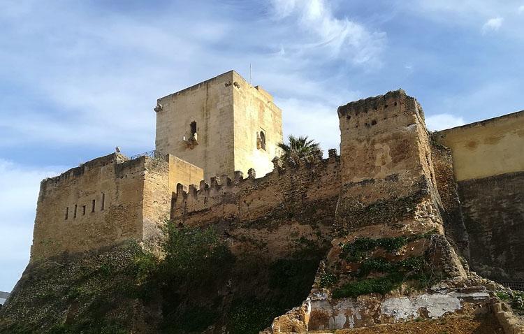 Luz verde de la Junta de Andalucía a la restauración del lienzo norte de la muralla del castillo de Utrera