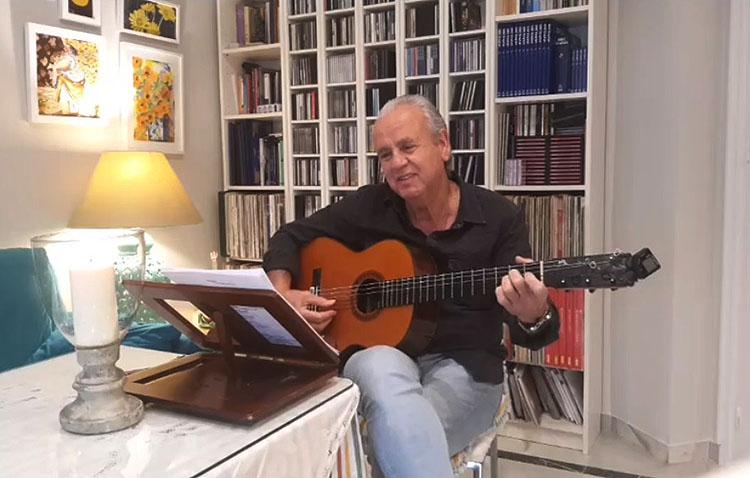 El cantante utrerano Enrique Montoya «Candela» hace gala de su arte en el «#yomequedoencasafestival» (VÍDEO)