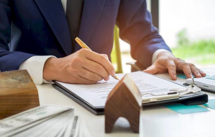Una línea telefónica asesora a los utreranos sobre la moratoria del pago de hipotecas y las ayudas al alquiler
