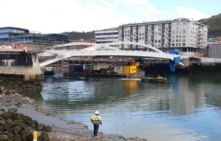 Tecade finaliza el proceso de montaje del puente de San Ignacio en Bilbao