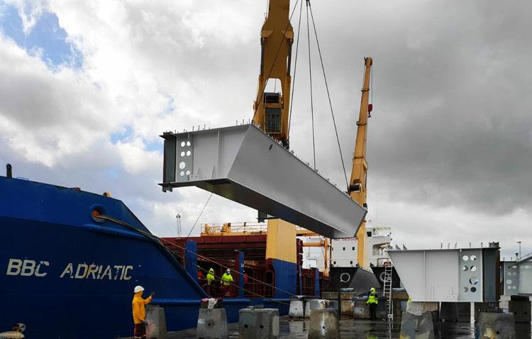 Tecade embarca los últimos tramos del viaducto ferroviario para un puente en Suecia