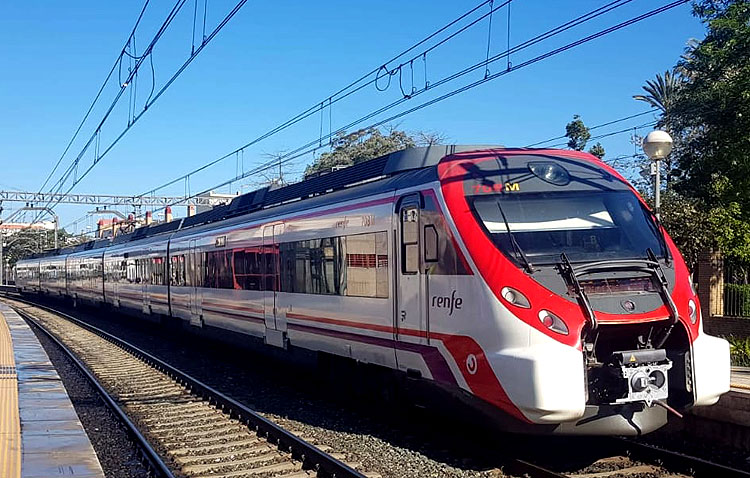El tren de Cercanías de Utrera cumple tres décadas
