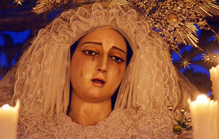 La hermandad de los Aceituneros celebra los cultos anuales en honor a la Virgen de la Paz