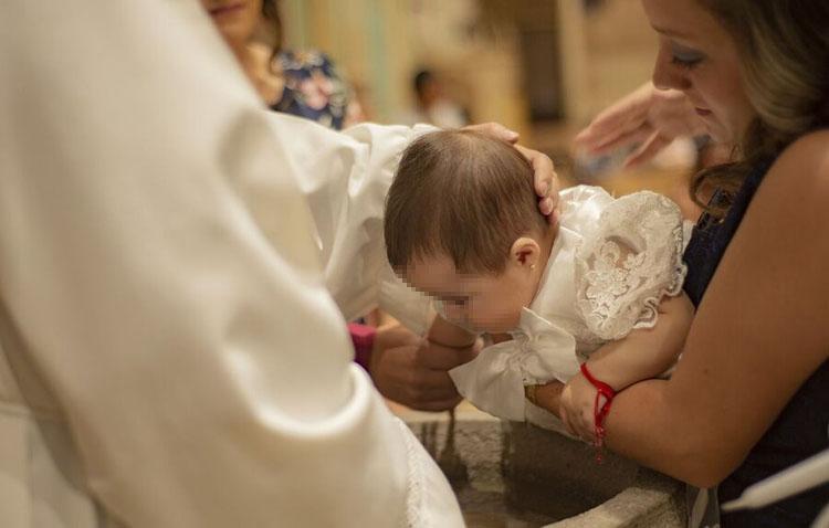 El arzobispo dispensa hasta final de año de estar confirmados para ser padrino de bautismo o para casarse
