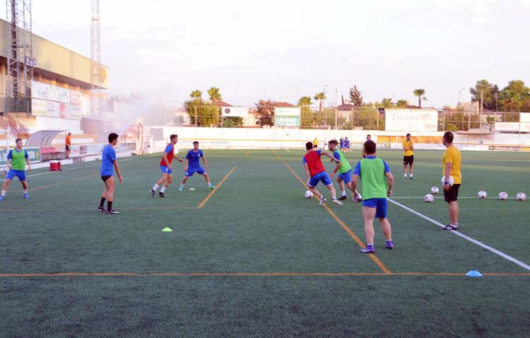 El Club Deportivo Utrera sólo dispondría de un mes de entrenamientos para preparar el ascenso a Segunda B