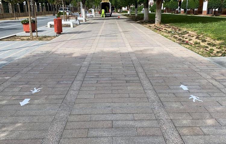 Utrera propone caminar en sentido único por las aceras para evitar contagios de Covid-19