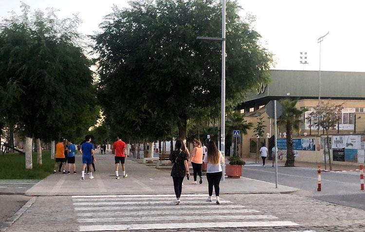 El primer día de salida generalizada a las calles deja tres multas en Utrera