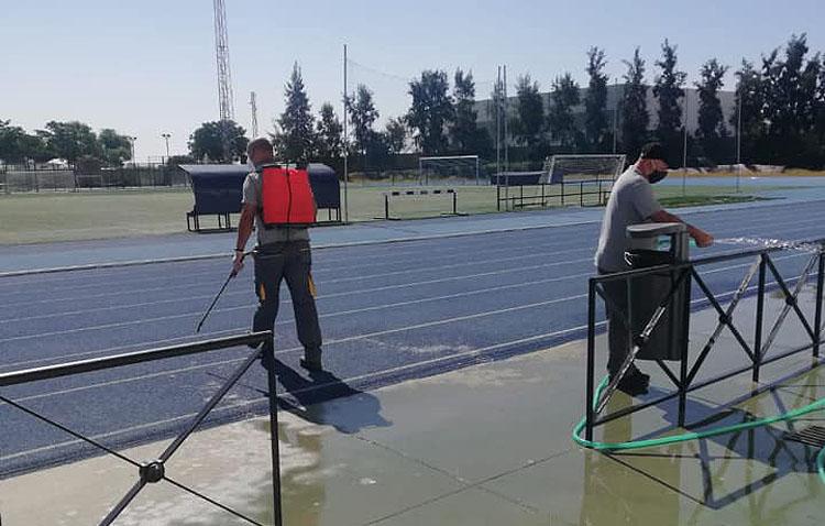 Las pistas de atletismo de Vistalegre y las de tenis del V Centenario, los únicos recintos que por ahora abren en Utrera