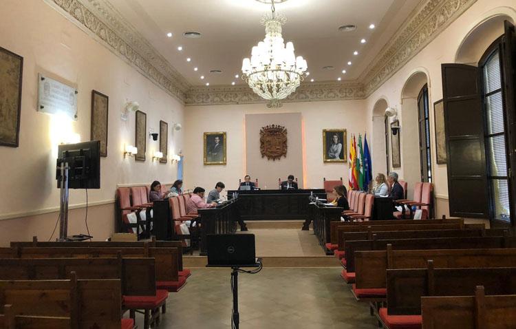 Juntos por Utrera lamenta que el gobierno local no responda las preguntas de la oposición en el pleno