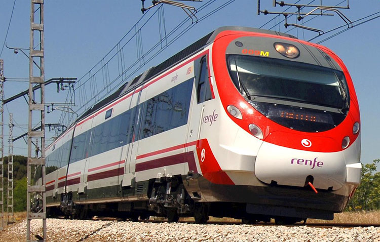 El alcalde de Utrera pide a Renfe el refuerzo en el servicio de trenes de Cercanías ante el aumento de los contagios