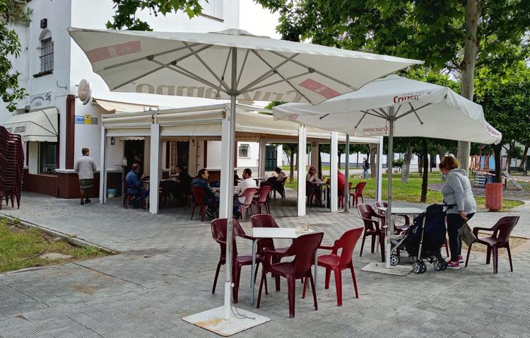 Podemos insta al Ayuntamiento de Utrera a tomar «medidas urgentes para salvar» la hostelería y el sector servicios