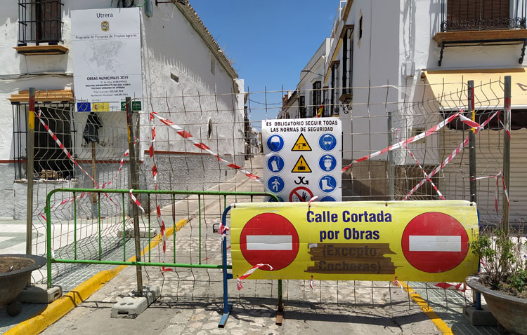 Las calles María Alba y Molino, cortadas al tráfico por el inicio de las obras de reforma