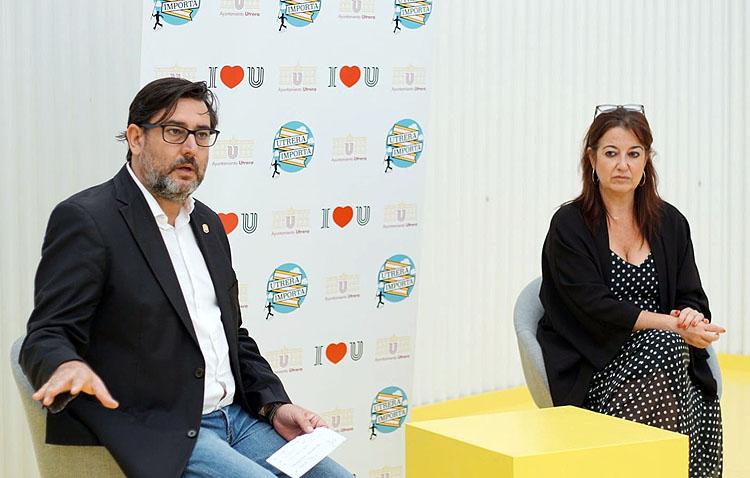 El alcalde de Utrera se reúne con los comerciantes locales para lanzarles un mensaje de «apoyo y aliento»