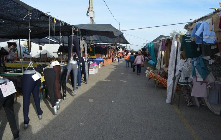 El mercadillo seguirá por ahora sin instalarse en Utrera «al no poder garantizarse las medidas de seguridad»