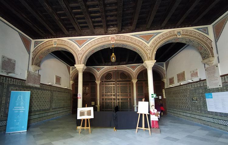 La patrona de Utrera ofrecerá una imagen histórica e inédita con motivo del fin de la restauración del retablo