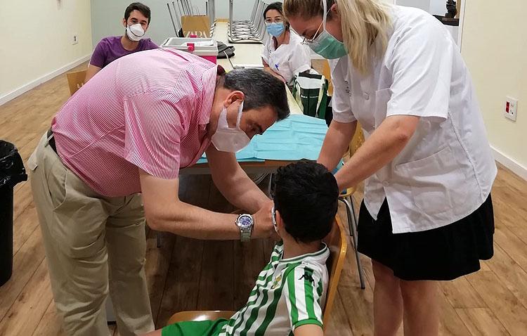 El centro de salud Utrera Sur pone en marcha una campaña de vacunación para niños de 12 a 18 años