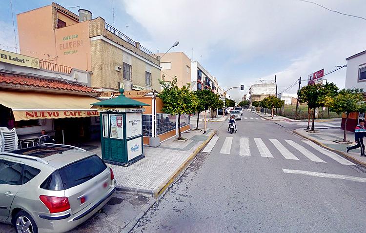 El cruce del bar «El lebri» eliminará sus semáforos para mejorar el tráfico con una nueva rotonda