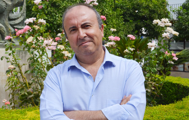 Fallece el conocido abogado utrerano Pepe Rojas a los 57 años