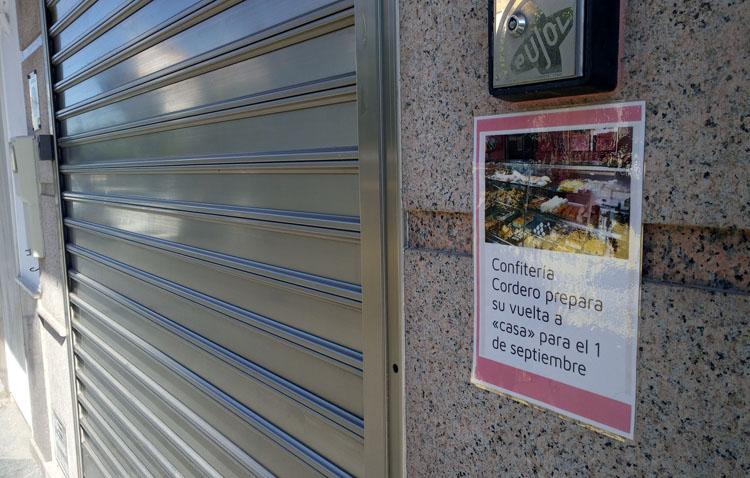 Confitería Cordero abre de nuevo sus puertas en su clásica sede del número 2 de la plaza de la Constitución