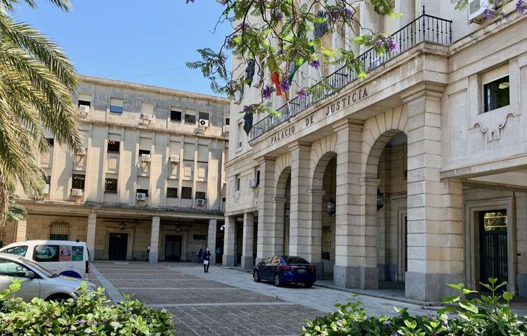 Condenados por agredirse en plena calle en Utrera