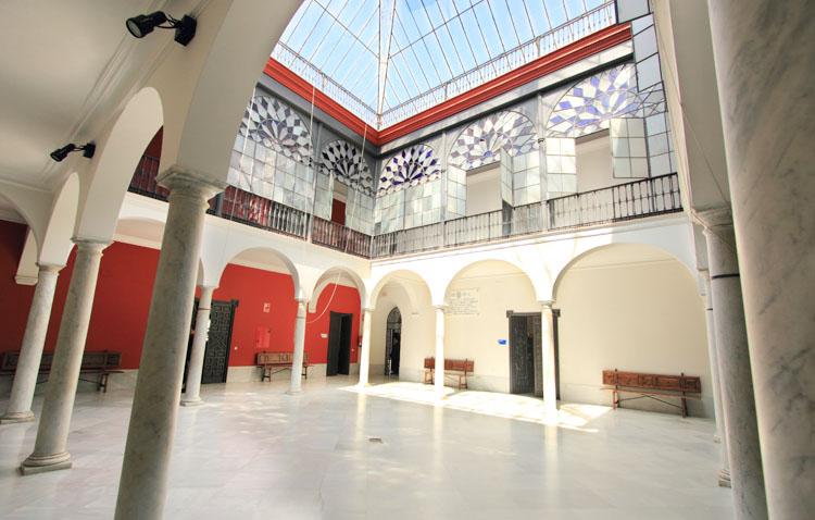 El Ayuntamiento de Utrera convoca seis plazas para técnicos de administración general