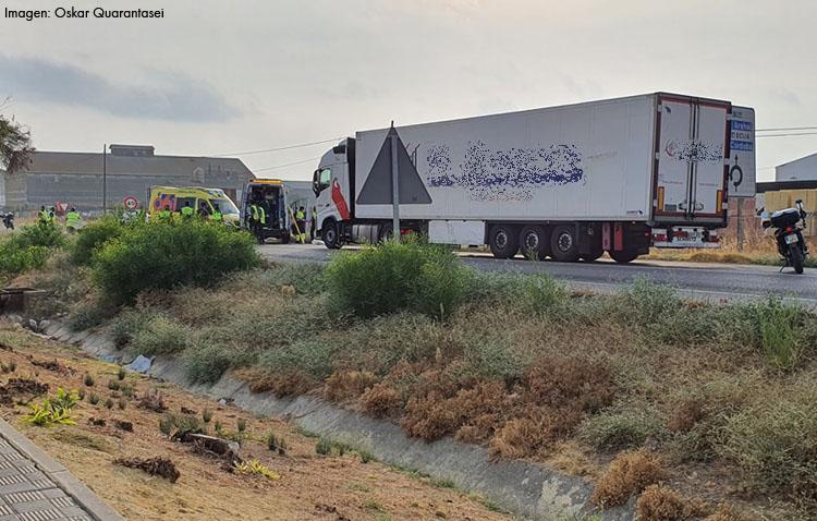 Herido grave un hombre tras ser atropellado por un camión en Utrera