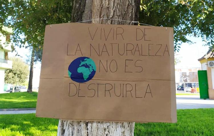 Los árboles de Utrera «piden» conciencia ciudadana por el medio ambiente