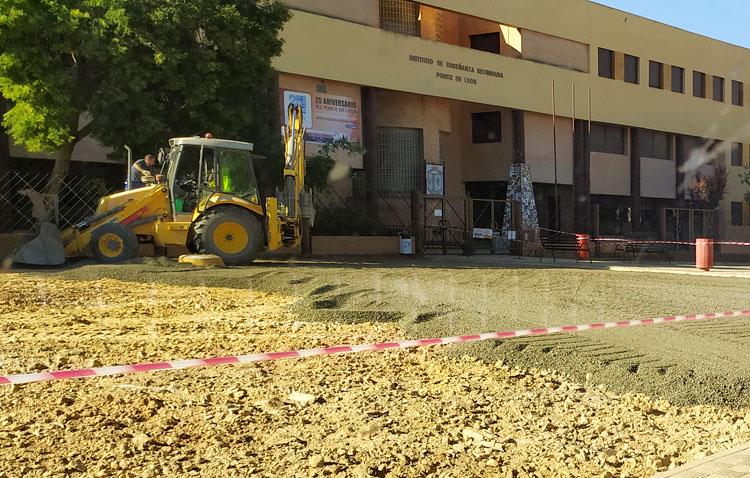 Satisfacción en Juntos por Utrera ante las «demandadas» obras de arreglo de la explanada del instituto Ponce de León