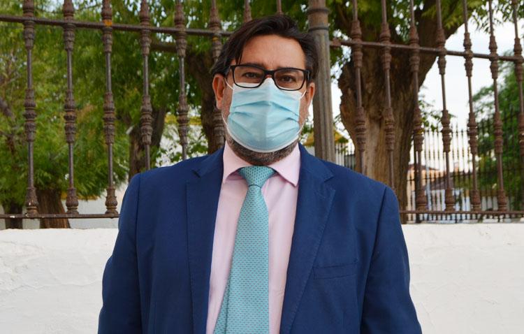 Villalobos manda un «mensaje de aliento» a los sectores más afectados por las restricciones de la Junta de Andalucía