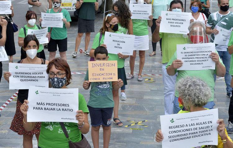 Podemos Utrera apoya la huelga educativa contra la gestión del inicio escolar por parte de la Junta de Andalucía