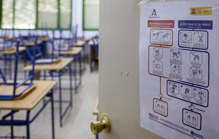 La pandemia mantiene siete aulas confinadas en Utrera