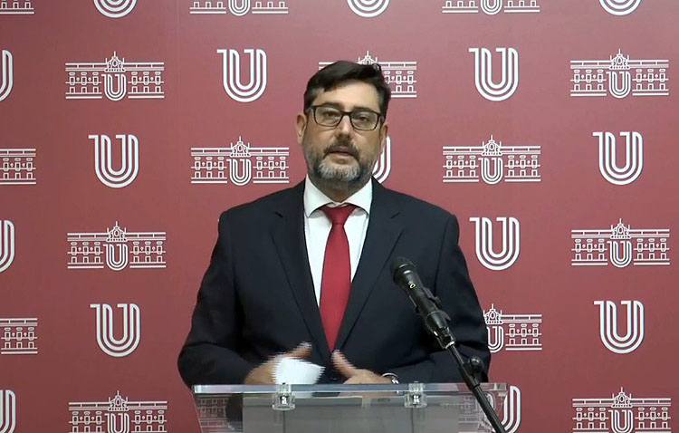 El alcalde de Utrera muestra su «total lealtad» institucional ante las nuevas restricciones y afirma que las próximas semanas «van a ser muy duras»