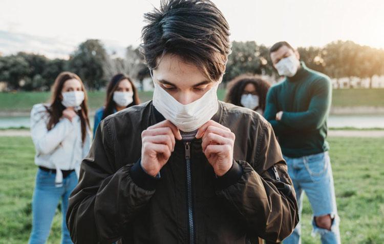 Casi 3.000 mascarillas para concienciar a los jóvenes de Utrera sobre el «efecto multiplicador» de los contagios