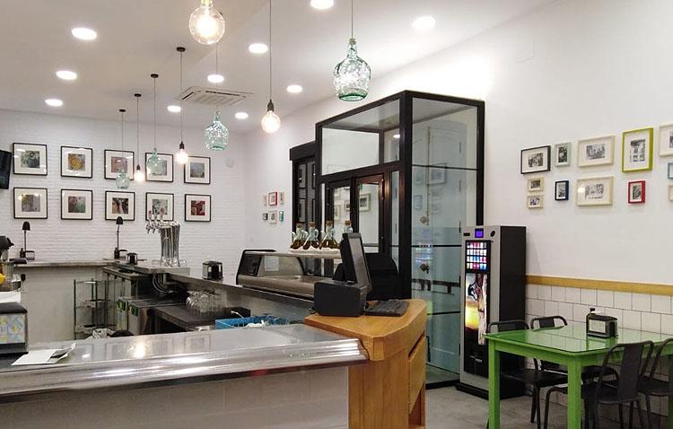Un bar de Utrera cierra voluntariamente «por responsabilidad» ante el contagio de un contacto estrecho de un trabajador