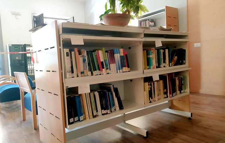 La biblioteca de Utrera ofrece una guía con libros, películas y discos con temática navideña