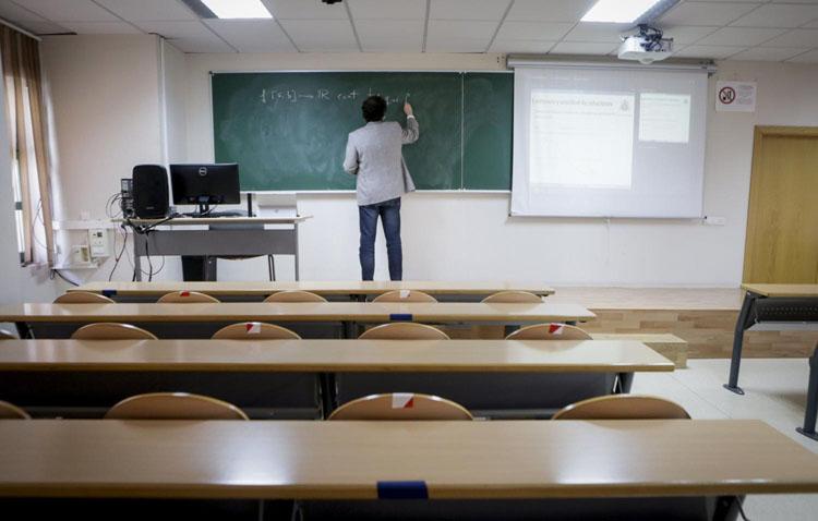 Las juventudes de Podemos de Utrera muestran su rechazo a que las clases universitarias sean telemáticas