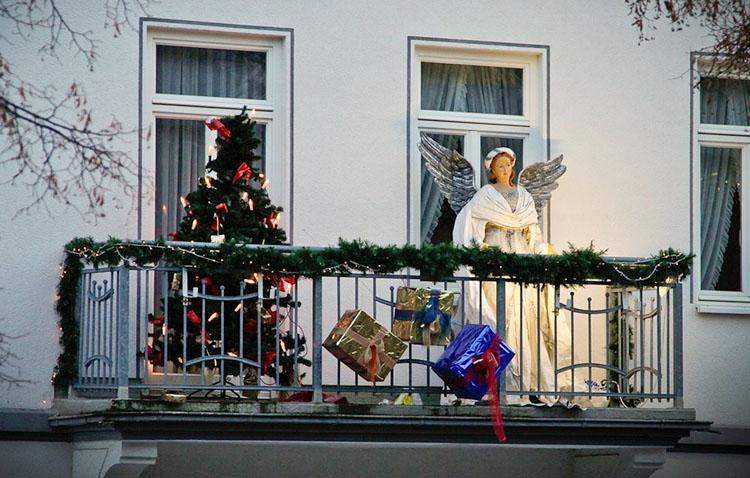 El concurso de belenes y escaparates se amplía este año a los balcones y fachadas de las viviendas de Utrera
