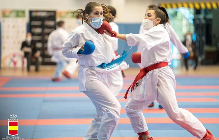 La karateka utrerana Marta Cabrera llega hasta cuartos de final en el campeonato de España