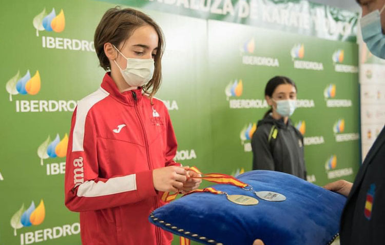 La karateka utrerana Lola Matos, medalla de plata en la final de la liga nacional