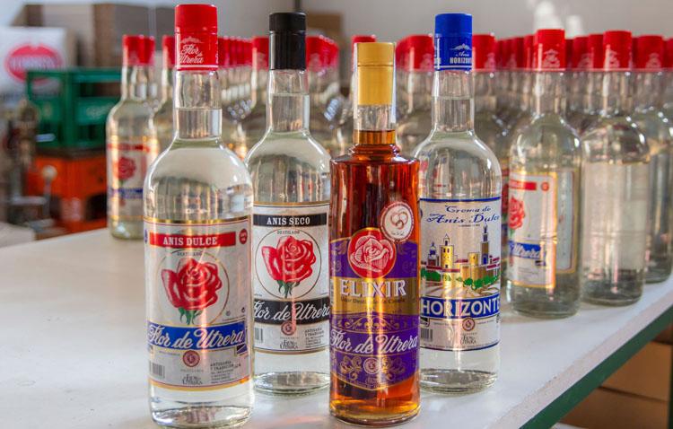 La empresa utrerana «Flor de Utrera», presente en la feria de productos locales de la provincia