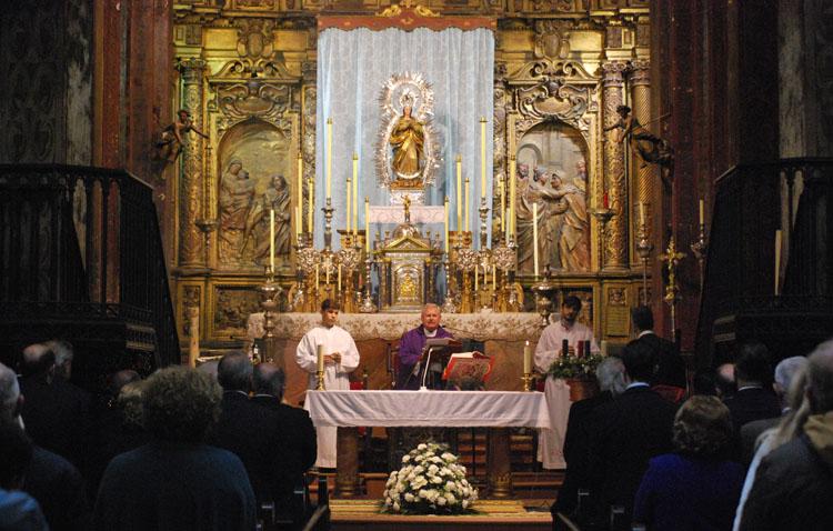 La hermandad sacramental de Santa María celebra los cultos anuales en honor a la Inmaculada Concepción