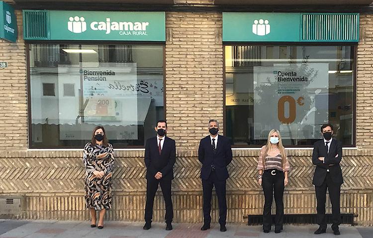 Cajamar desembarca en Utrera abriendo una nueva oficina en la esquina de Álvarez Hazañas con San Juan Bosco
