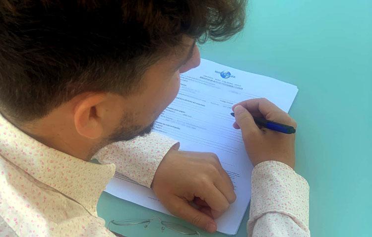 El cantante utrerano Juanlu Montoya, fichado por la multinacional «Universal Music Group»