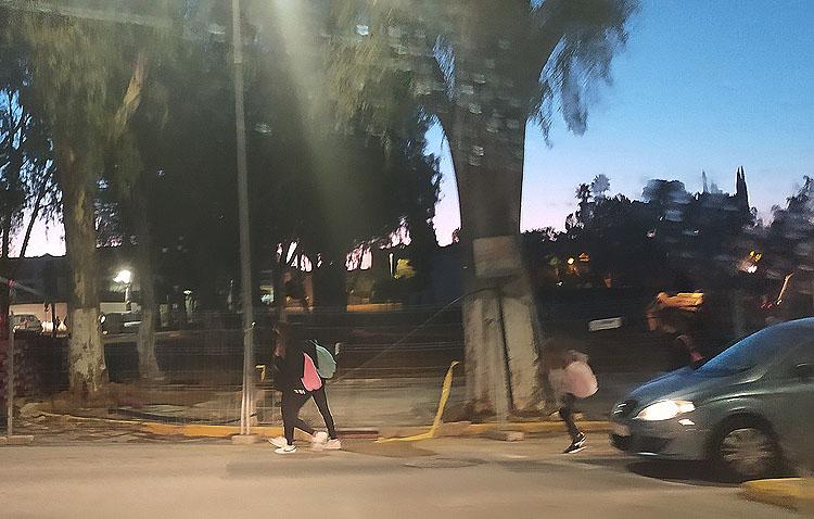 Juntos por Utrera denuncia el «caos y peligro» que suponen para los peatones las obras en torno al recinto ferial