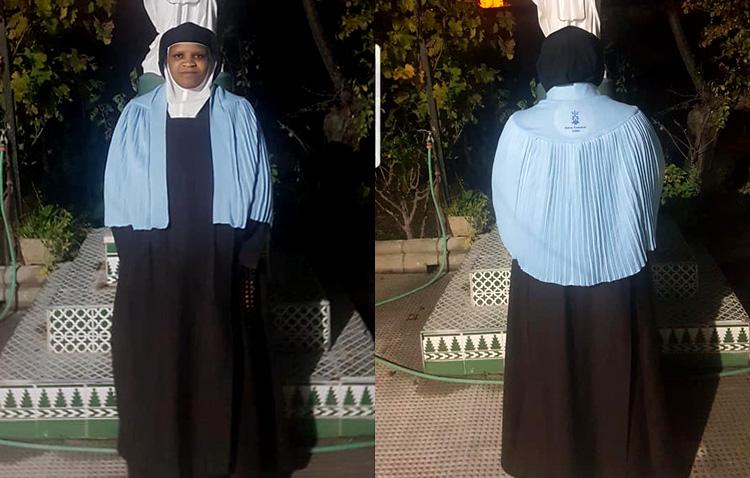 El amor a las Madres Carmelitas de Utrera toma forma de capa