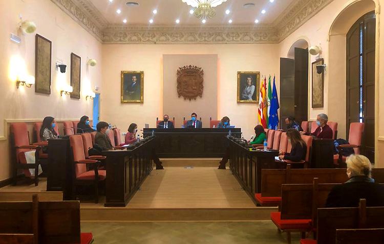 Juntos por Utrera pide al alcalde que responda las preguntas de la oposición en el pleno